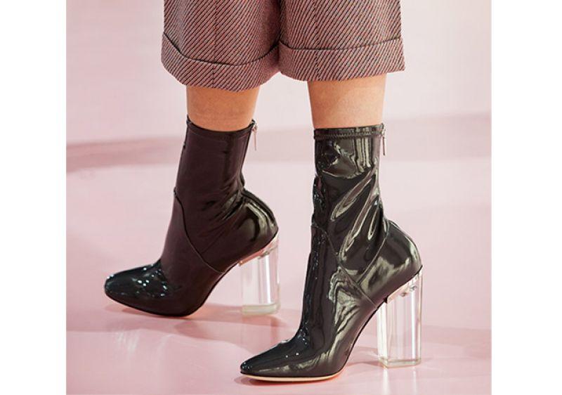 صورة موديلات احذية باللون الاسود , احذية جديدة 2019