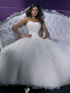 بالصور فساتين زفاف سوق اليمامة بجدة 245431 3