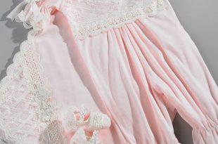 صور احدث ملابس حديثي الولادة
