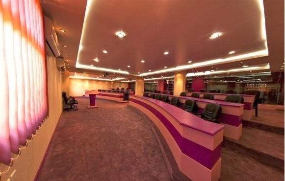 بالصور ملياردير سعودي يحول مدرسة زوجته الرابعة الى فندق 251351 1
