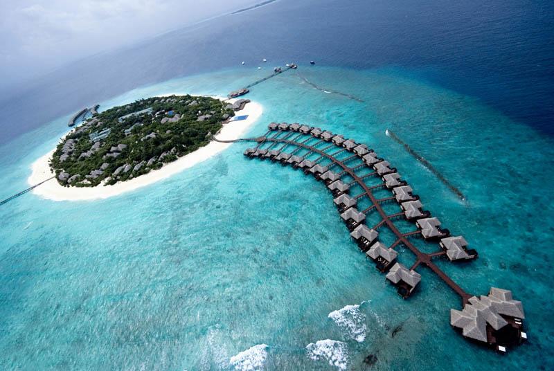 صور ♥ فندق في جزيره وجميع غرفه داخل البحر وفنادق اخرى كثيرة تحت الماء ♥