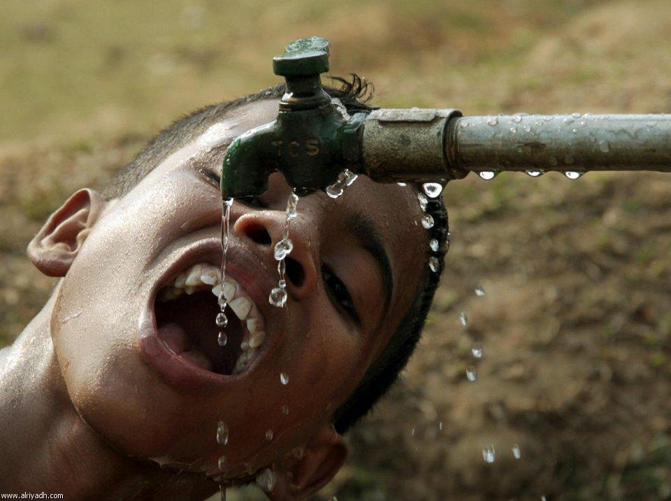بالصور صور تبدير الماء والاهدار بالمياه , بالصور الاسراف بالموية 607 9