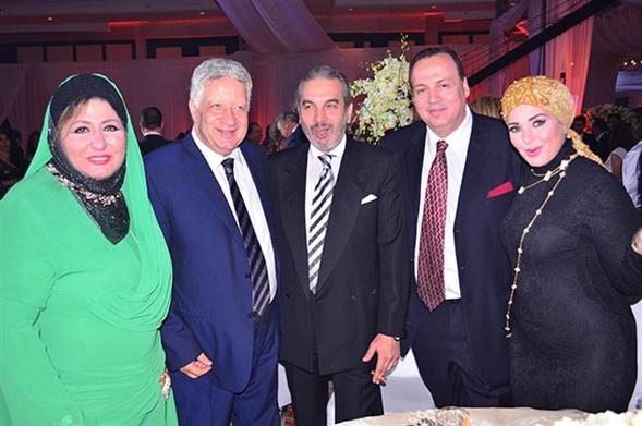 صورة صور احدث ازياء فساتين الفنانة صابرين الجديدة للمحجبات ، شوفى النجمة الشهيرة بالحجاب الانيق