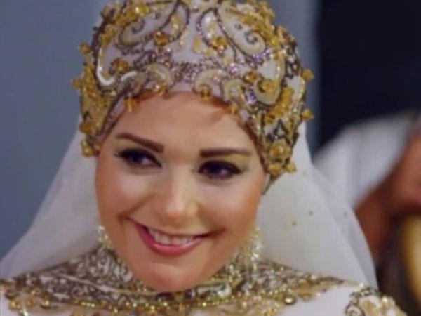 بالصور صور احدث ازياء فساتين الفنانة صابرين الجديدة للمحجبات ، شوفى النجمة الشهيرة بالحجاب الانيق 259140 9