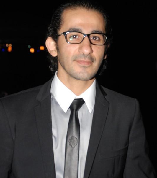 بالصور صور احدث ازياء نظارات الفنان احمد حلمي ولا اروع ، نجم الكوميديا الانيق 259153 4